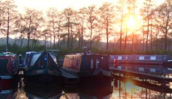 Get help choosing your canal boat cover